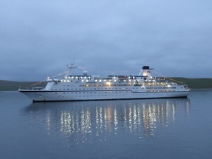 Berlin at anchor in the evening - photo by Keith Nisbet